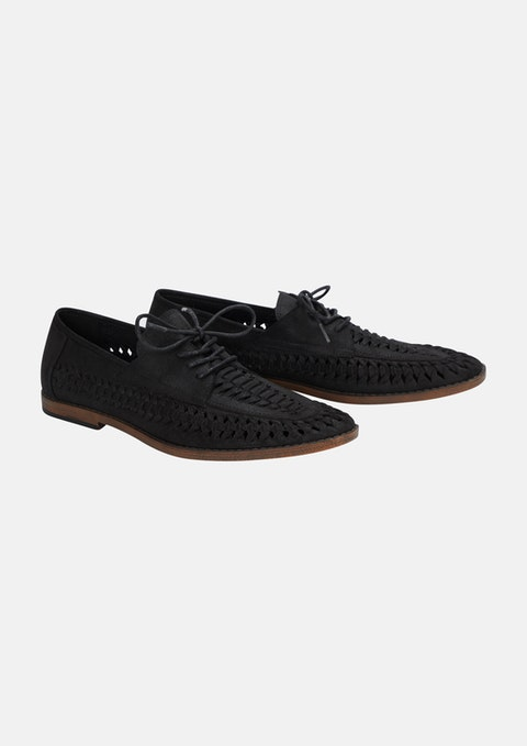 Black Cruise Shoe